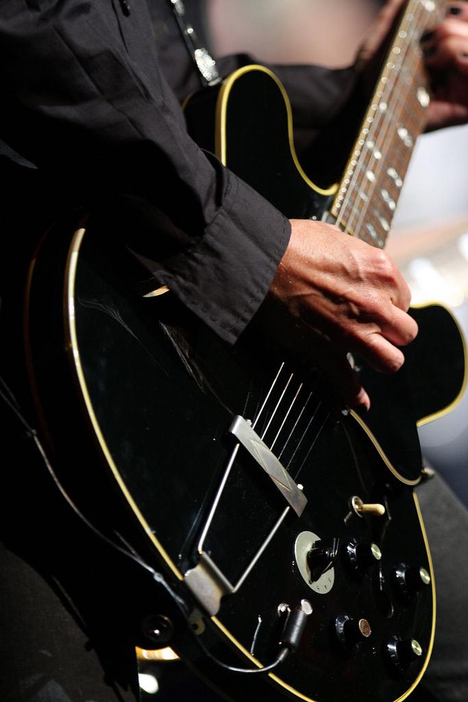Cours de guitare électrique MICHEL DIEN